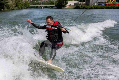 Wakesurf en région parisienne à St Maur sur la Marne saut & figures | SNC